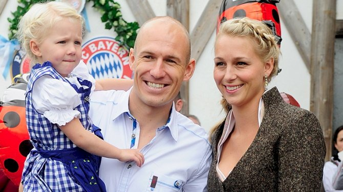 Robben Details Wife's Successful Battle With Covid-19