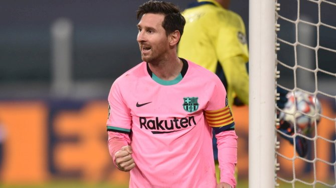 """""""When He Stops Playing, I'm Throwing Away My TV""""- Vieri Wowed By Messi's Juve Show"""