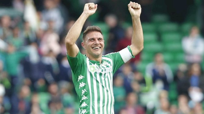 Veteran Betis Skipper Joaquin Signs New One-year Contract