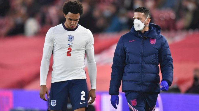 Southgate Disappointed For Injured Alexander-Arnold